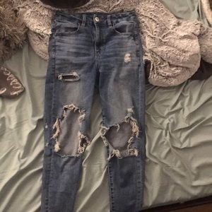 Super high waisted ripped American Eagle Jeans